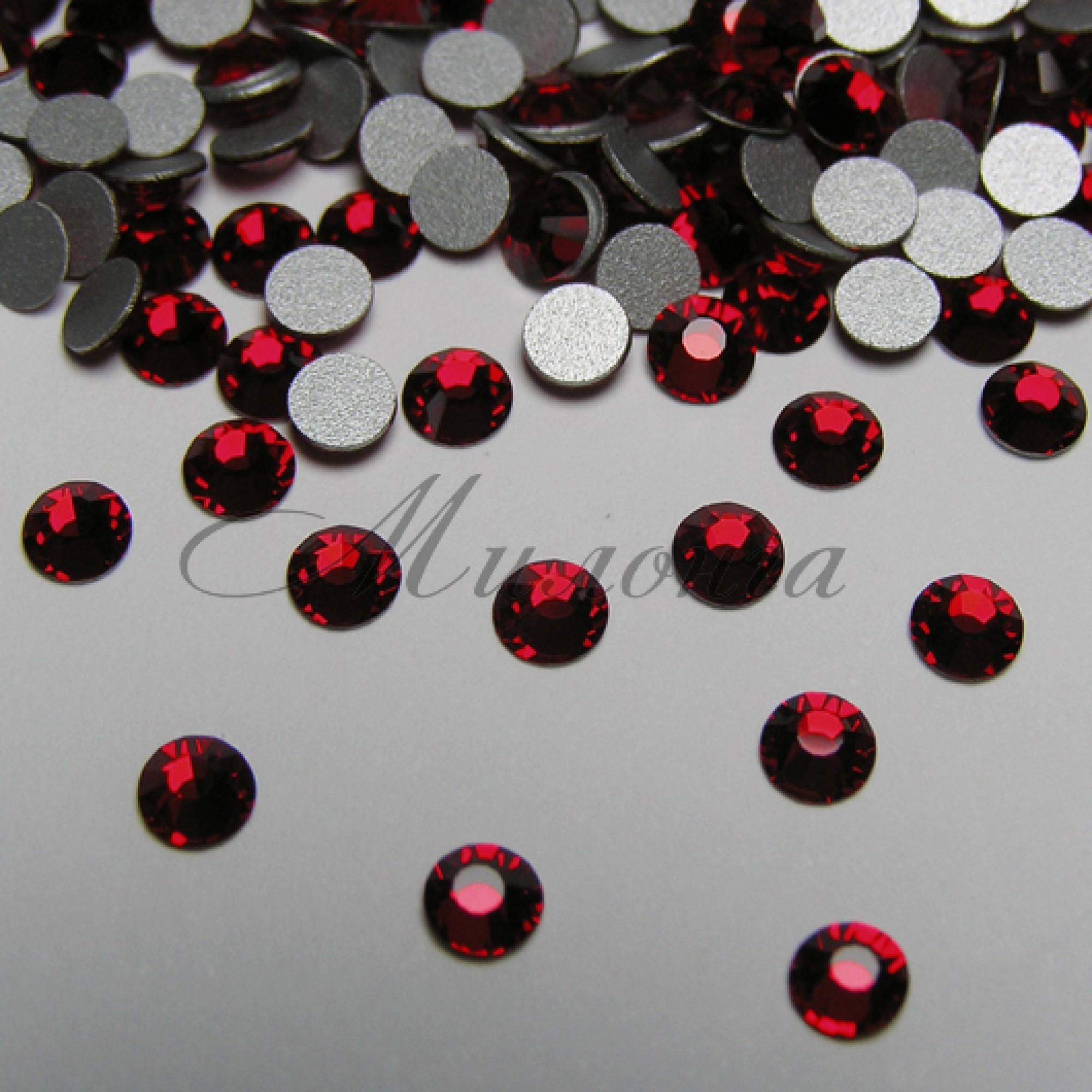 Preciosa Crystal SS16, клеевые LtSiam